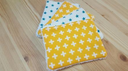 Lingettes lavables croix étoiles jaune bleu canard blanc