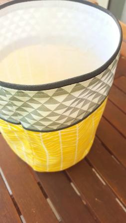 Pochon de rangement gris jaune triangle chevron - Décoration de chambre bébé