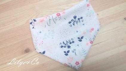 Bavoir bandana bébé fille fleur rose bleu blanc - accessoire mode bébé fille fait main