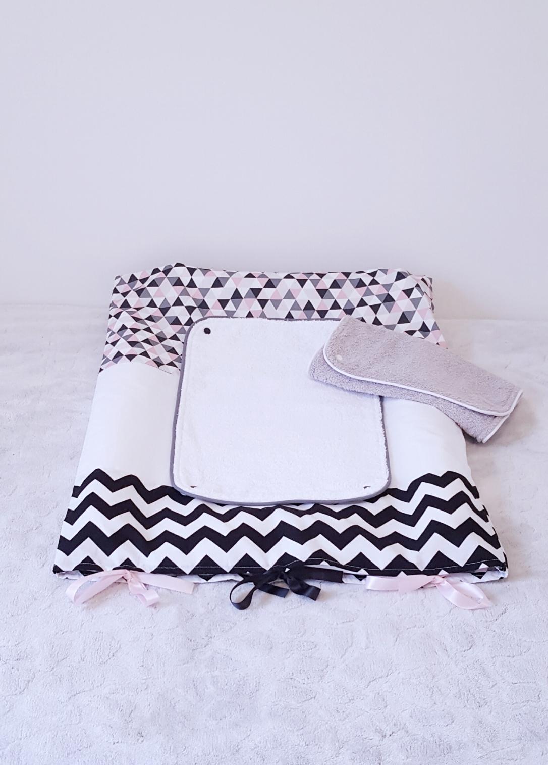 Housse de matelas à langer/déco de chambre bébé / langes détachable/housse pratique/ liste de naissance/ cadeau de naissance