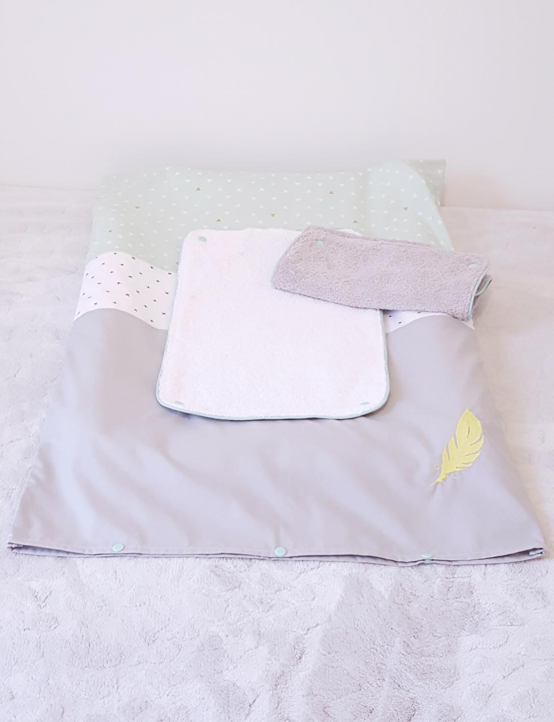 Housse de matelas à langer / langes détachables/ décoration chambre bébé /liste de naissance/  cadeau de naissance